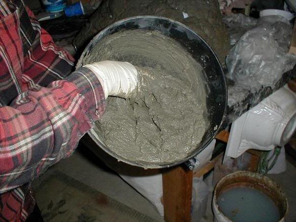 Приготовить цементный раствор своими руками